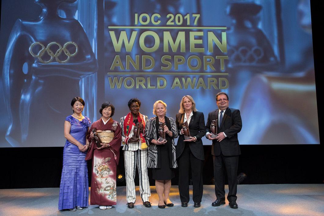 2017-11-09-women-in-sport-inside-01
